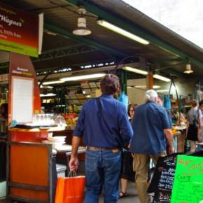 Un vieux marché et ses alentours